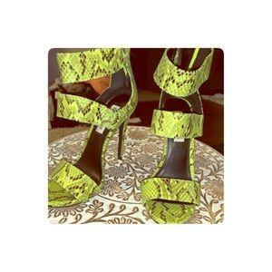 Steve Madden green snake pattern heels